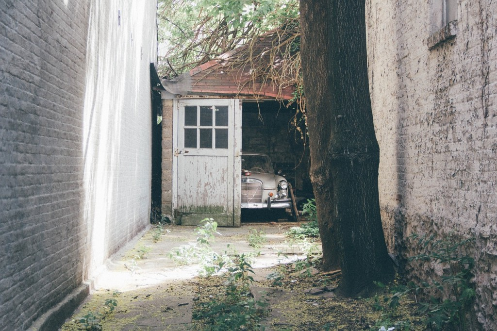 To Garage or Not to Garage