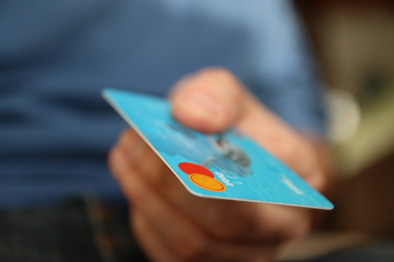 don't fall into the credit card trap