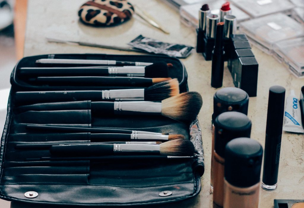 6 Ways To Save Money on Beauty Products and Services