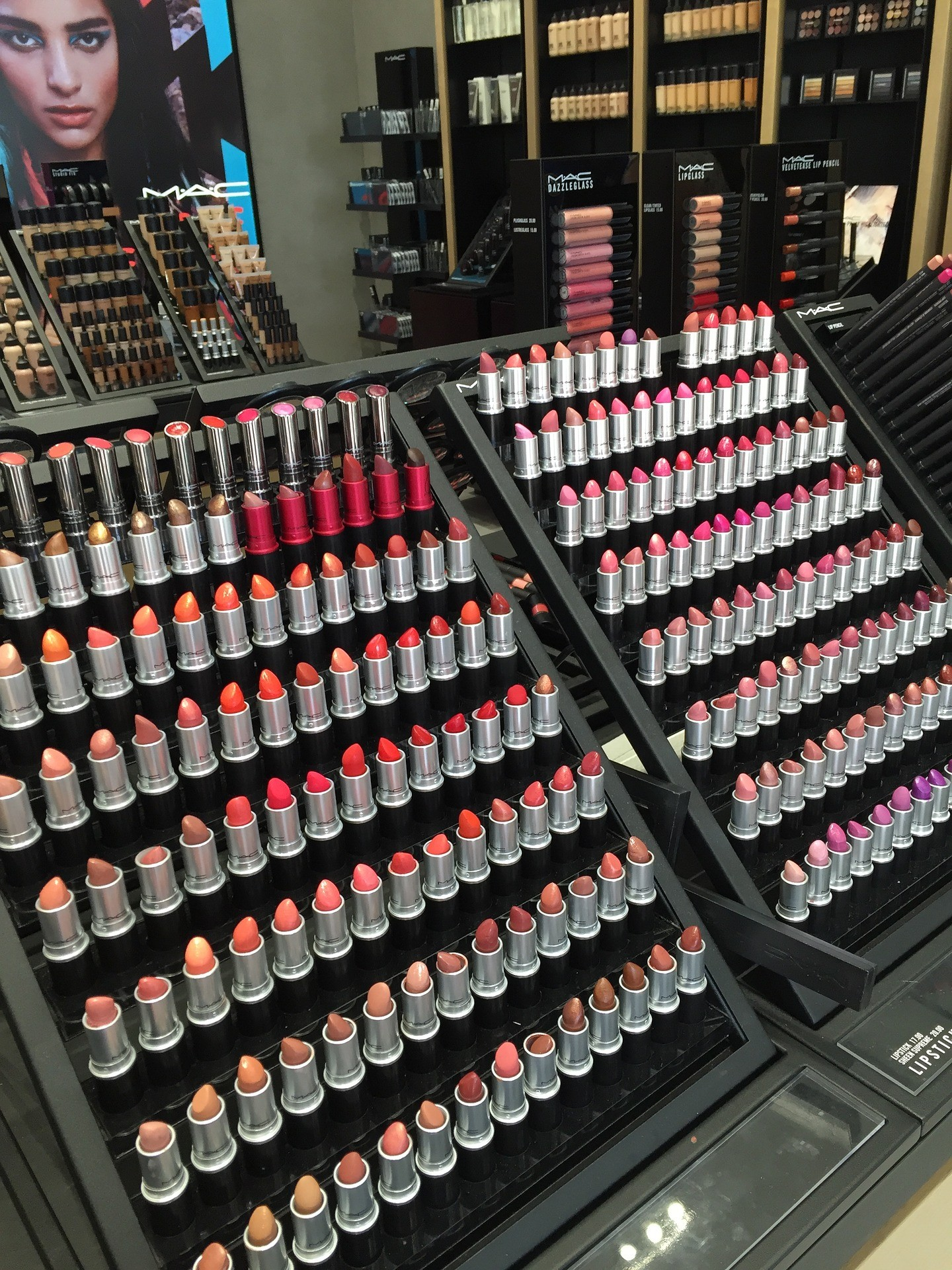 free makeup lipstick range
