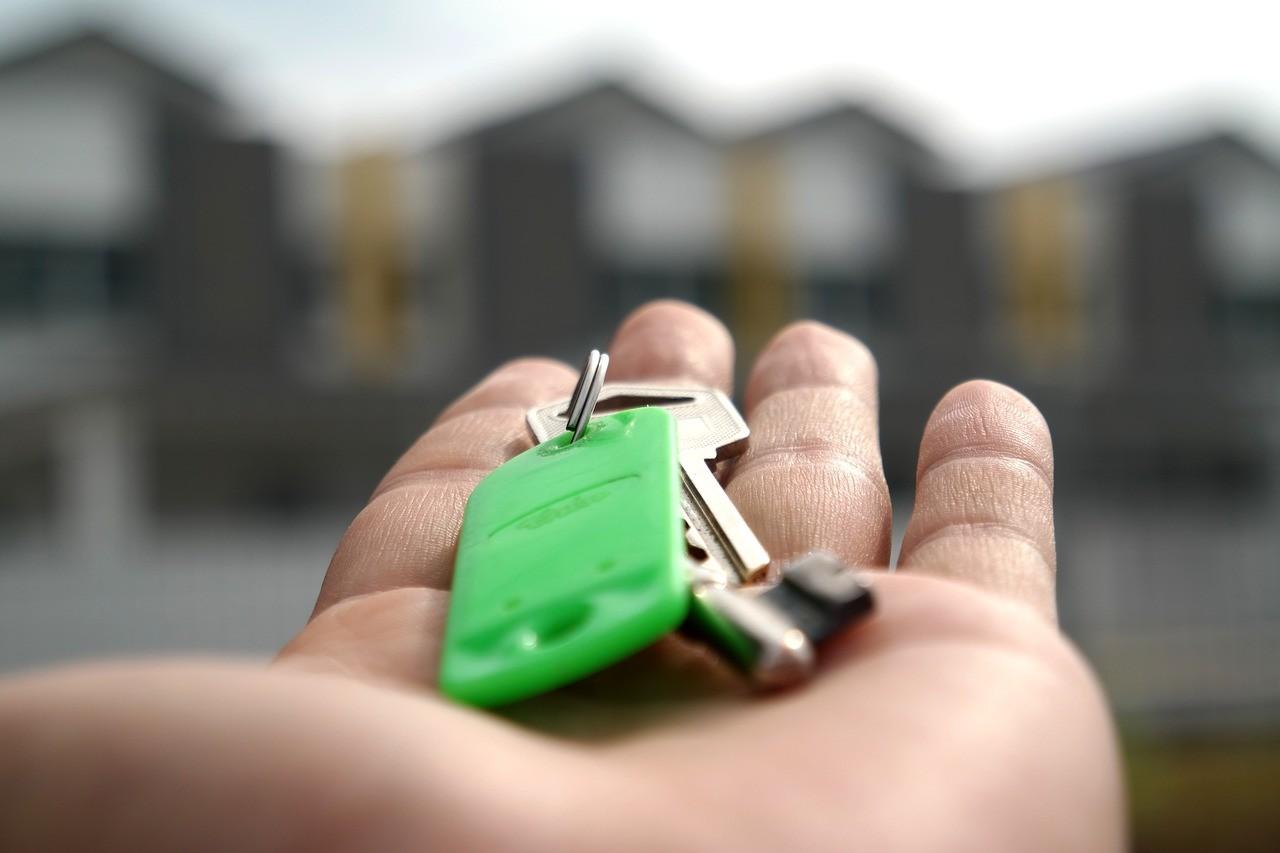estate agent saving