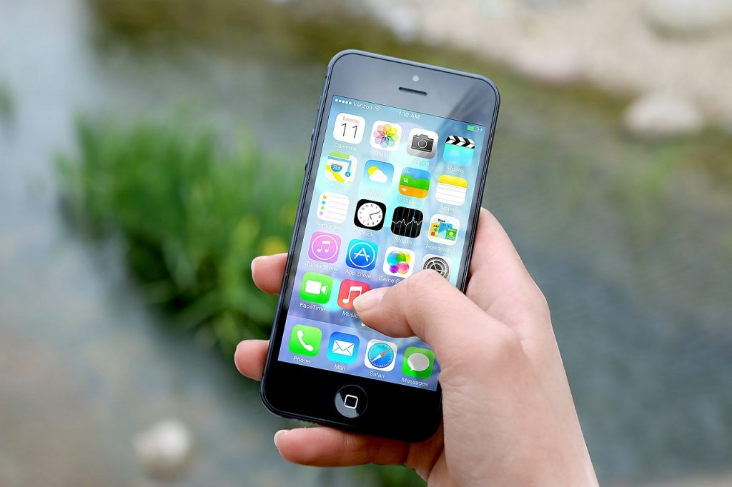 Ways to Make Money in An Hour smartphone