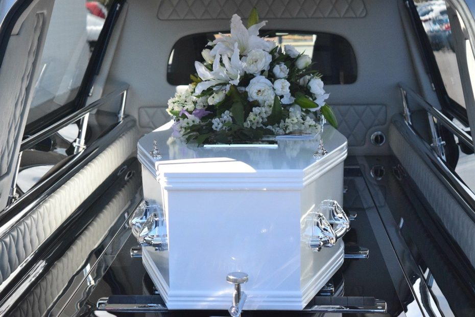 ways to save money on funerals