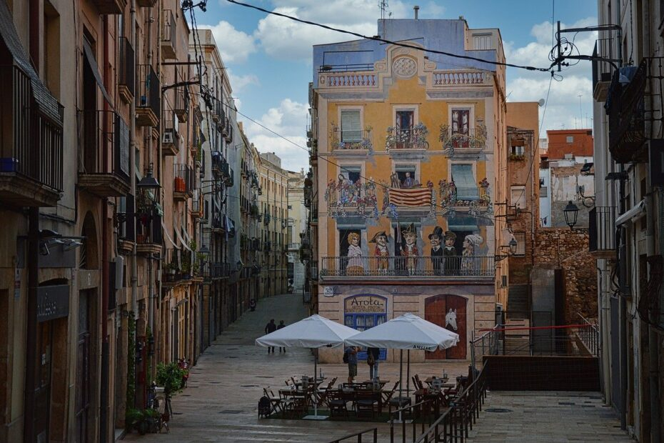 Save Money When Moving To Spain
